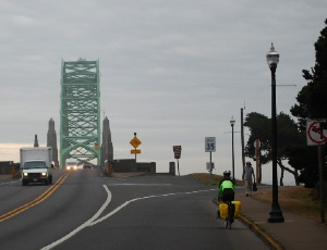 bridge over newport.JPG