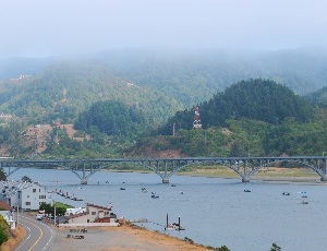 bridge to gold beach.JPG