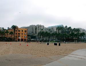 deserted venice beach.JPG